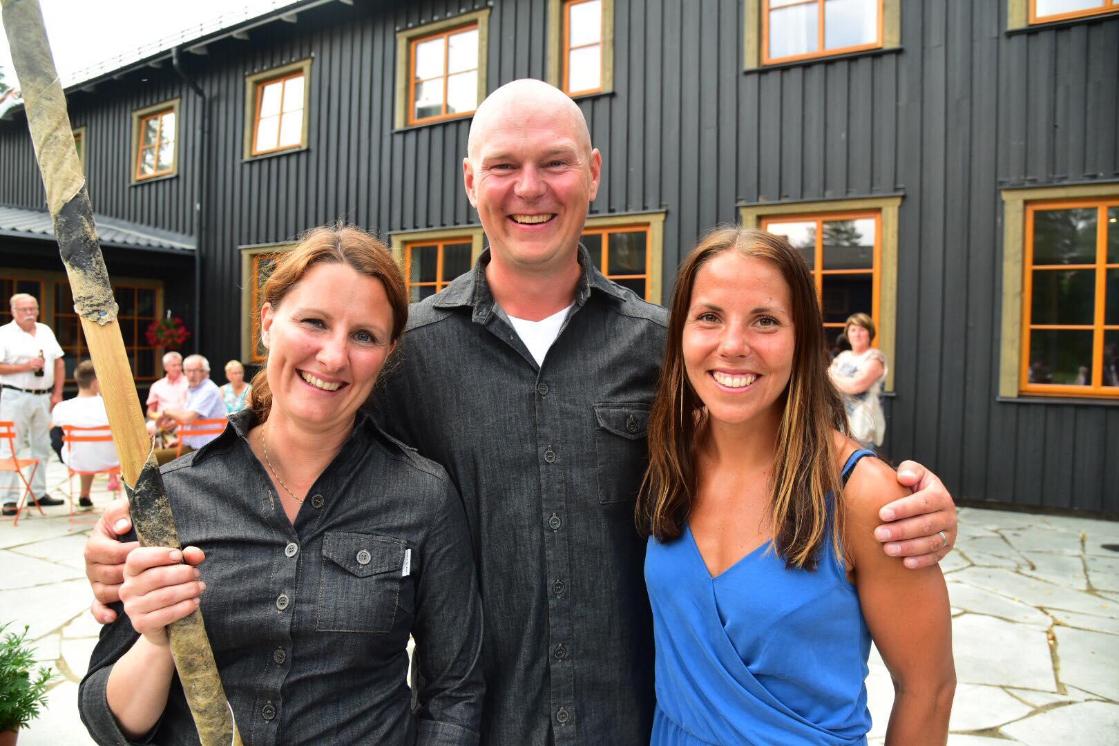 Invigning av Arctic River Lodge. Charlotte Kalla, Sara och Johan Väisänen.